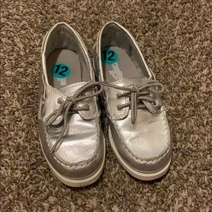 OshKosh sz12 loafers